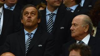 Freunde werden sie wohl nicht mehr: FIFA-Präsident Sepp Blatter (r.) und UEFA-Boss Michel Platini