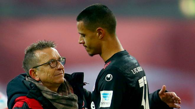 Fortuna Duesseldorf v 1. FC Kaiserslautern - Second Bundesliga