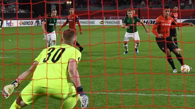 Mit diesem Elfmeter sorgte Hatem Ben Arfa für den Sieg von Stade Rennes gegen FK Jablonec