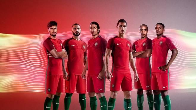 Cristiano Ronaldo und Co. spielen in Rot