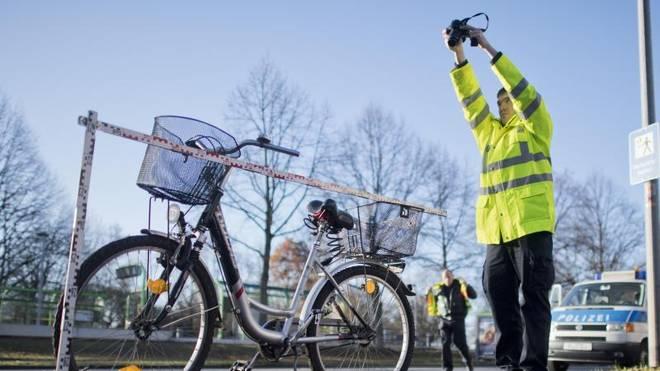 Kommt es auch ohne Berührung zu einem Unfall mit einem Radfahrer, haftet der Autofahrer mit
