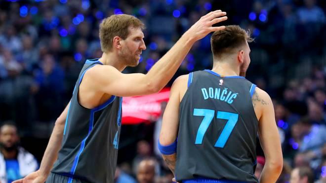 NBA: Dirk Nowitzki (l.) hält große Stücke auf Mavs-Rookie Luka Doncic