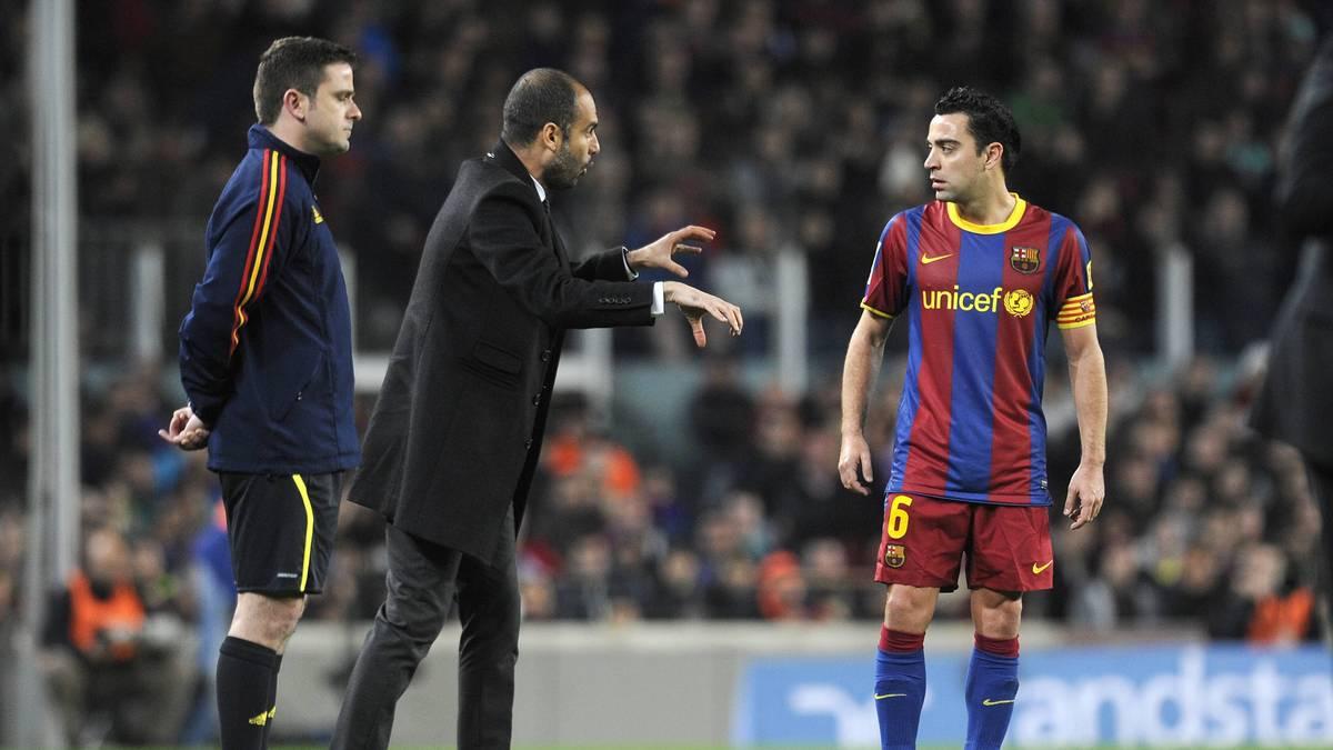 Xavi (r.) könnte neuer Trainer beim FC Barcelona werden