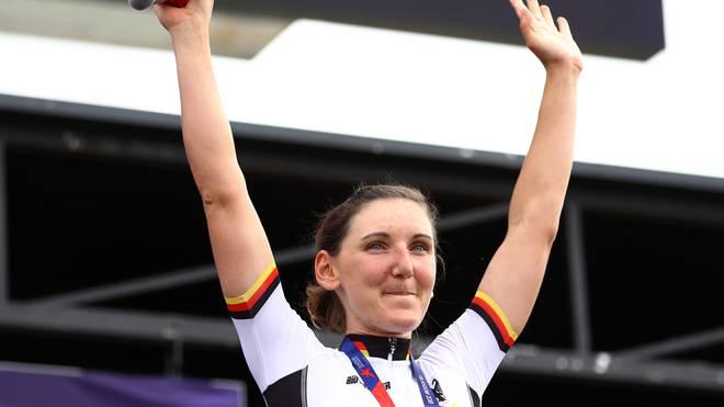 Lisa Brennauer feiert Platz drei im Straßenrennen