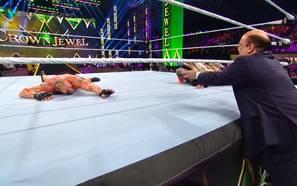 WWE-Gigantenduell nimmt rätselhaftes Ende