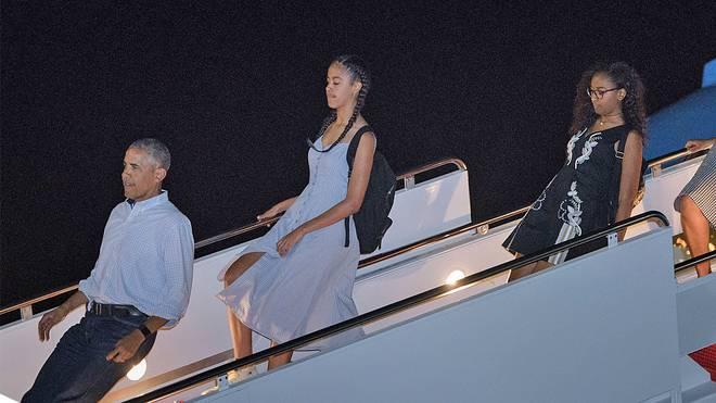 US-Präsident Barack Obama verlässt die Air Force One erst zehn Minuten nach der Landung
