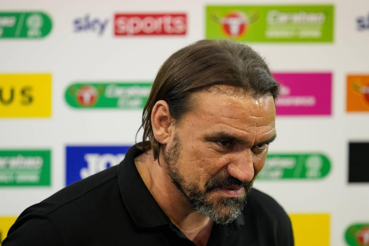 Bei der Niederlage im EFL Cup gegen Liverpool verschießt ein Norwich-Youngster einen Elfmeter. Trainer Daniel Farke reagiert darauf mit Wut..