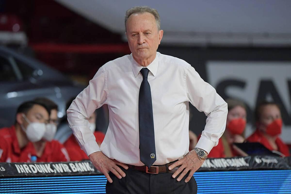 Gordon Herbert ist neuer Basketball-Bundestrainer. Doch auch die ALBA-Titelgarant Aíto García Reneses hätte Lust auf den Job gehabt und brachte sich selbst ins Gespräch. Ließ sich der DBB einen Star-Trainer entgehen?