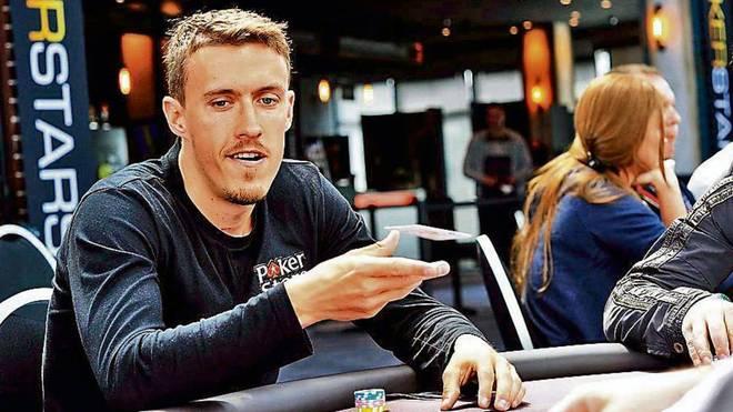 Max Kruse spielt leidenschaftlich Poker