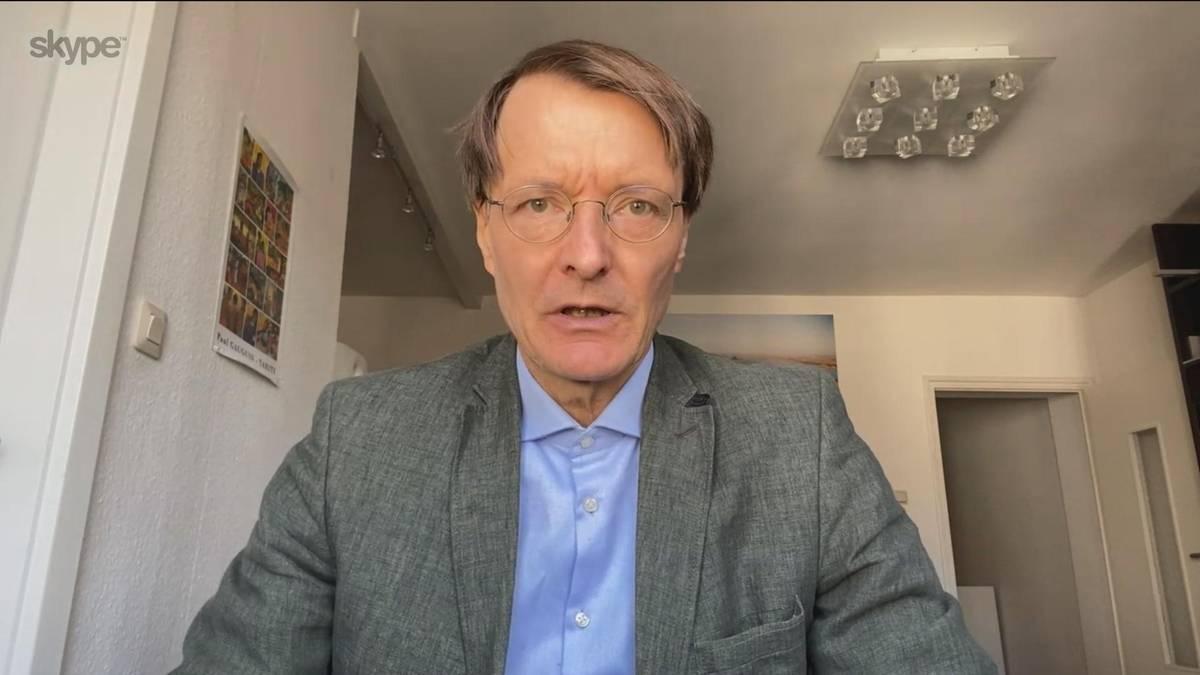 Gesundheitsexperte Karl Lauterbach hält im CHECK24 Doppelpass nichts von Geisterspielen in der jetzigen Situation. Erst im Herbst könnte er sich die Fortsetzung der Saison vorstellen.