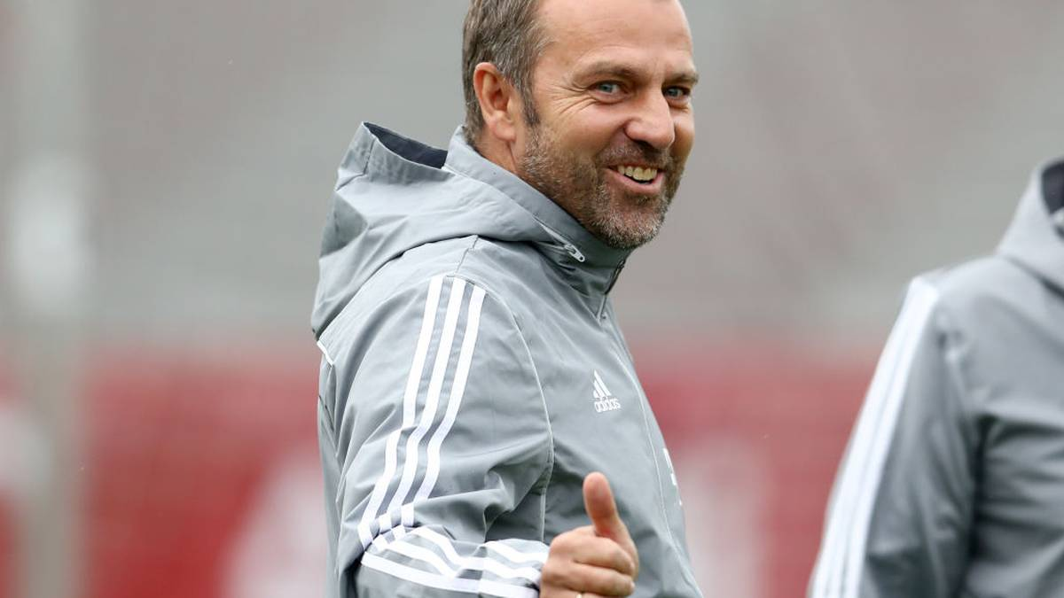 MUNICH, GERMANY - NOVEMBER 05: Newly appointed head coach of Bayern Muenchen Hans-Dieter Flick shows thumbs up during a training session at Saebener Strasse training ground on November 05, 2019 in Munich, Germany. FC Bayern Muenchen will face Olympiacos FC during the UEFA Champions League group B match on November 6, 2019. (Photo by Alexander Hassenstein/Bongarts/Getty Images)