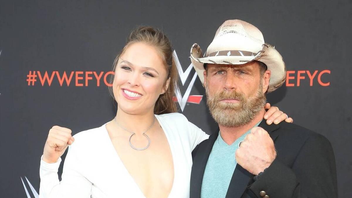 Shawn Michaels (mit Ronda Rousey) arbeitet heute hinter den Kulissen von WWE NXT
