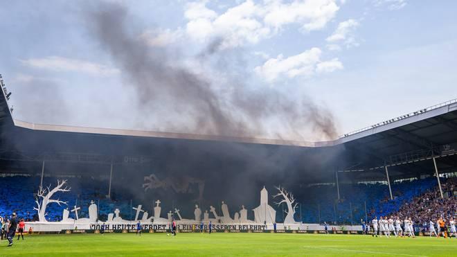 Relegation, Waldhof Mannheim: Ultras beteiligen sich an Geldstrafe nach Pyroskandal , Waldhof Mannheim wurde vom DFB mit Punktabzug und einer Geldstrafe bestraft