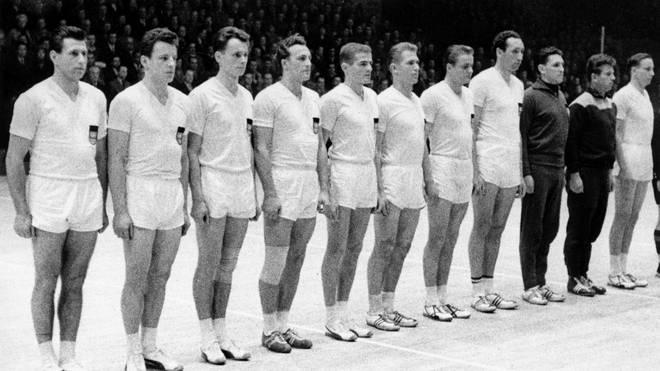 Die deutsche Nationalmannschaft bei der WM 1961 mit Hans Haberhauffe (4.v.l.)