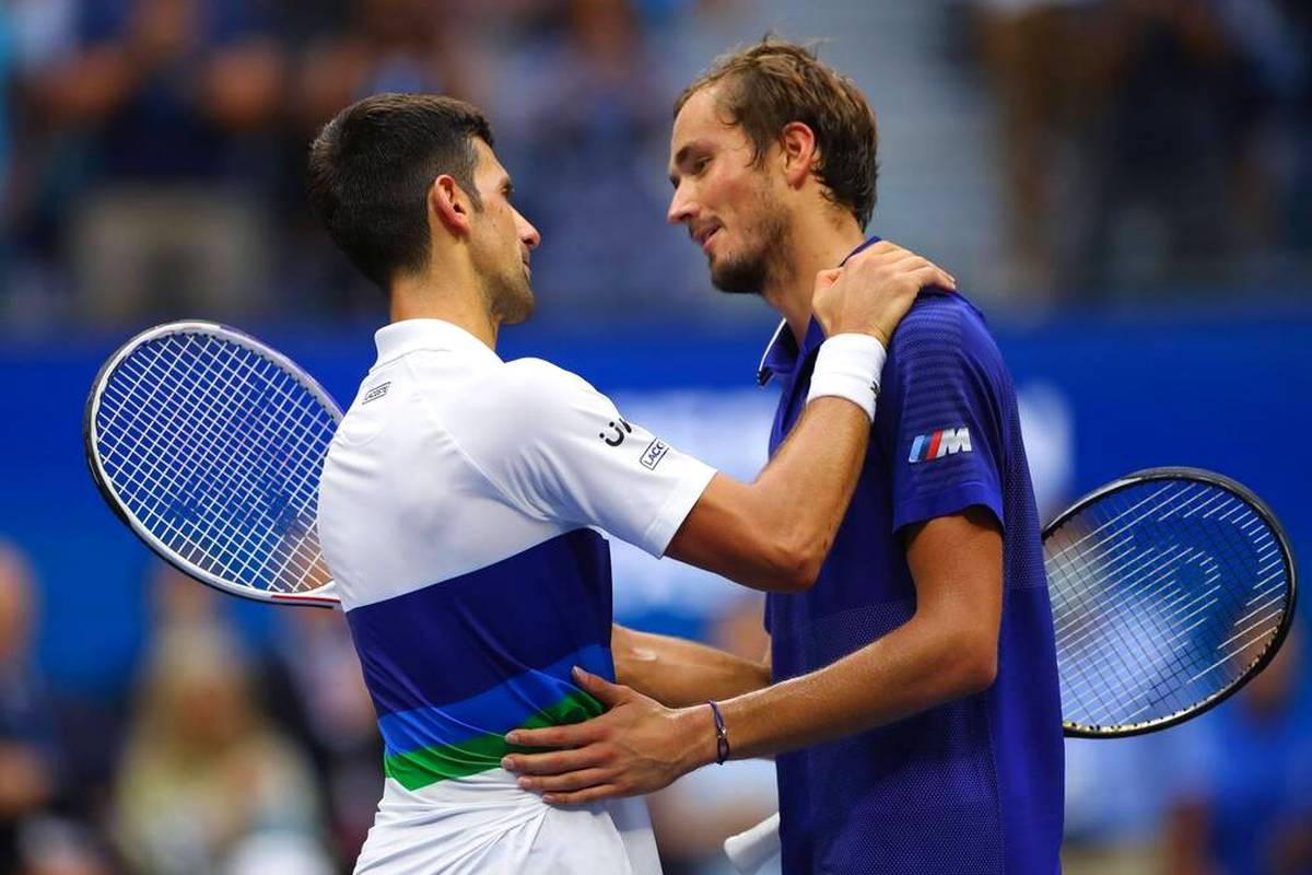 Die Australian Open stehen vor der Tür - und die Diskussion um Corona-Impfungen in der Tennis-Welt wird immer heißer. Nun äußert sich Daniil Medvedev zu den Aussagen von Novak Djokovic.