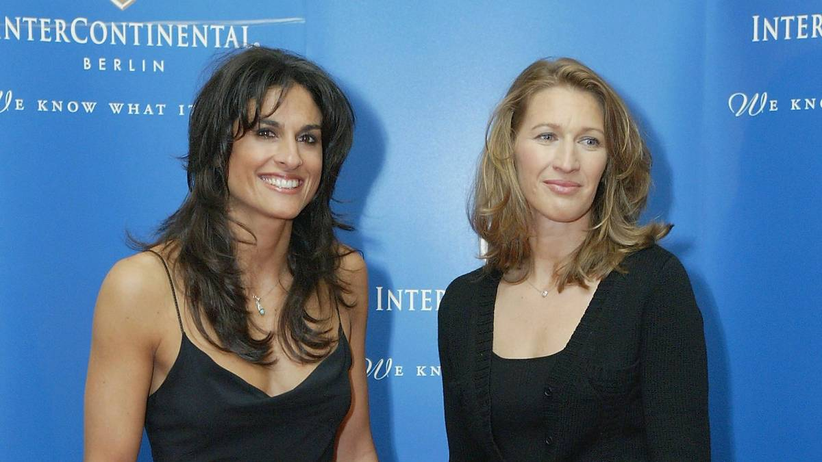 Gabriela Sabatini und Steffi Graf bei einer Charity-Gala 2004