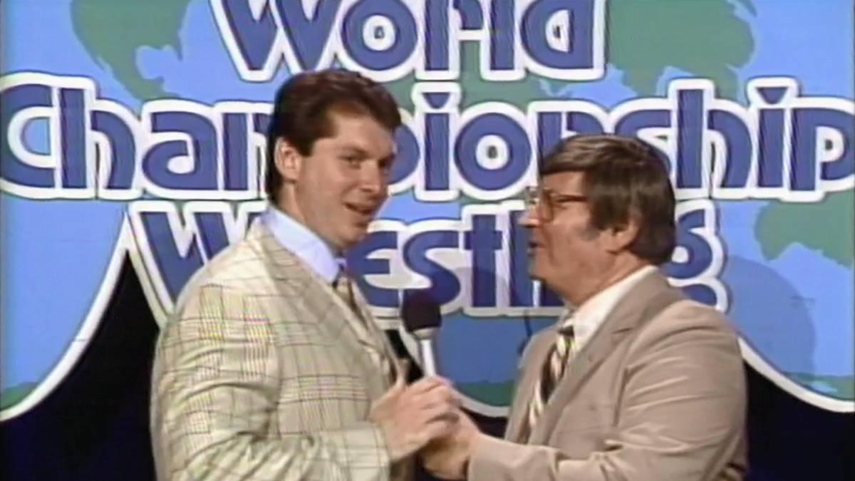 "Freddie Miller (r.) übergab World Championship Wrestling am ""Black Saturday"" 1984 an WWE-Boss Vince McMahon"