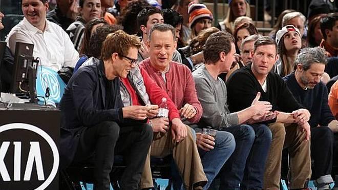 Gute Stimmung in der ersten Reihe: Tom Hanks scheint sich prächtig zu amüsieren.
