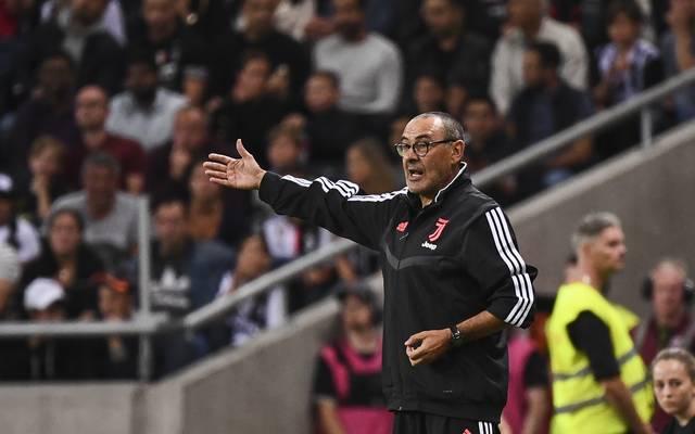 Maurizio Sarri kann wegen einer Lungenentzündung nicht auf der Bank von Juventus Turin Platz nehmen