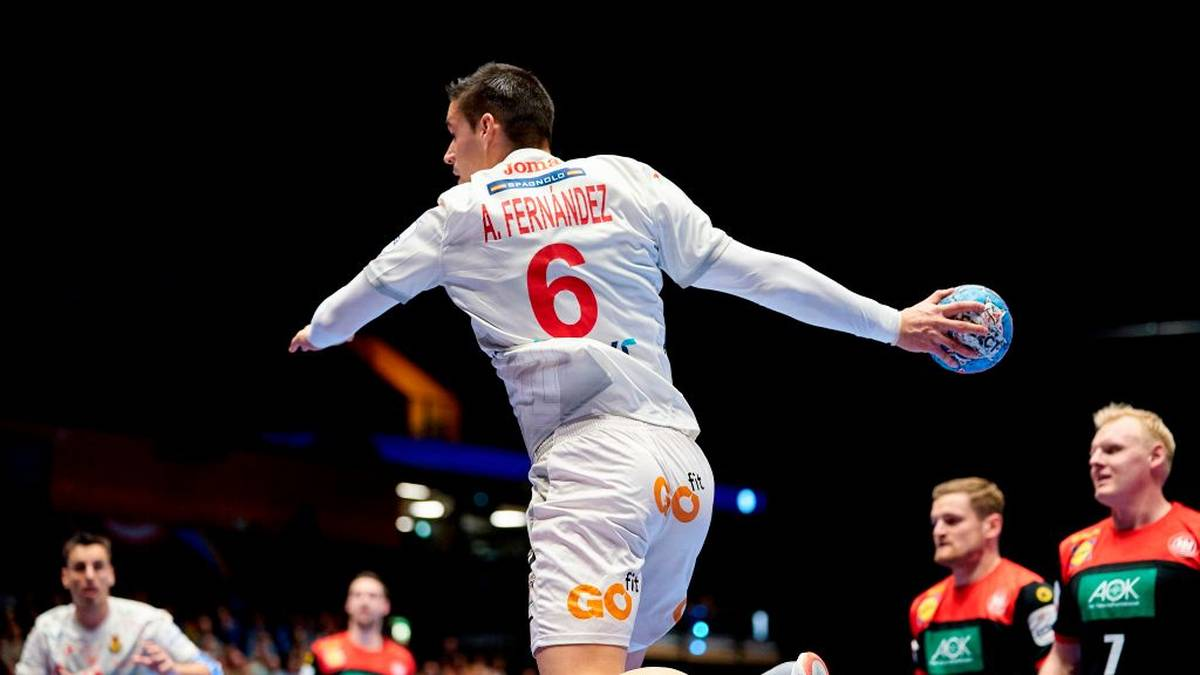 Angel Fernandez Perez of Spain plays the ball during the match Spain vs Germany of the Men´s Handball European Championship preliminary round in Trondheim, Norway, on January 11, 2020. (Photo by Ole Martin Wold / various sources / AFP) / Norway OUT (Photo by OLE MARTIN WOLD/NTB Scanpix/AFP via Getty Images)