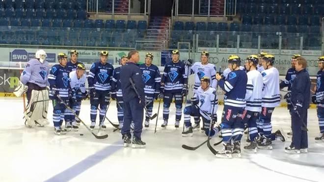 Kurt Kleinendorst beim ersten Training mit der Mannschaft
