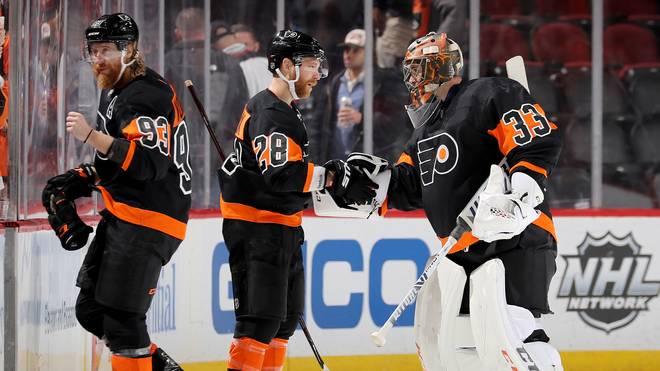Goalie Nummer acht: Cam Talbot (r.) sorgte mit seinem Einsatz für die Flyers für einen NHL-Rekord
