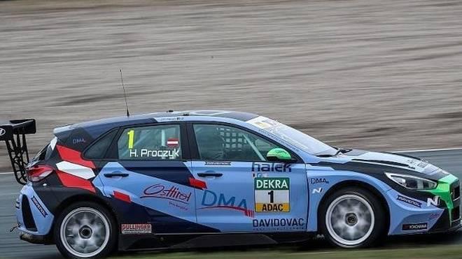 Harald Proczyk markierte im Hyundai i30 N TCR die Tagesbestzeit