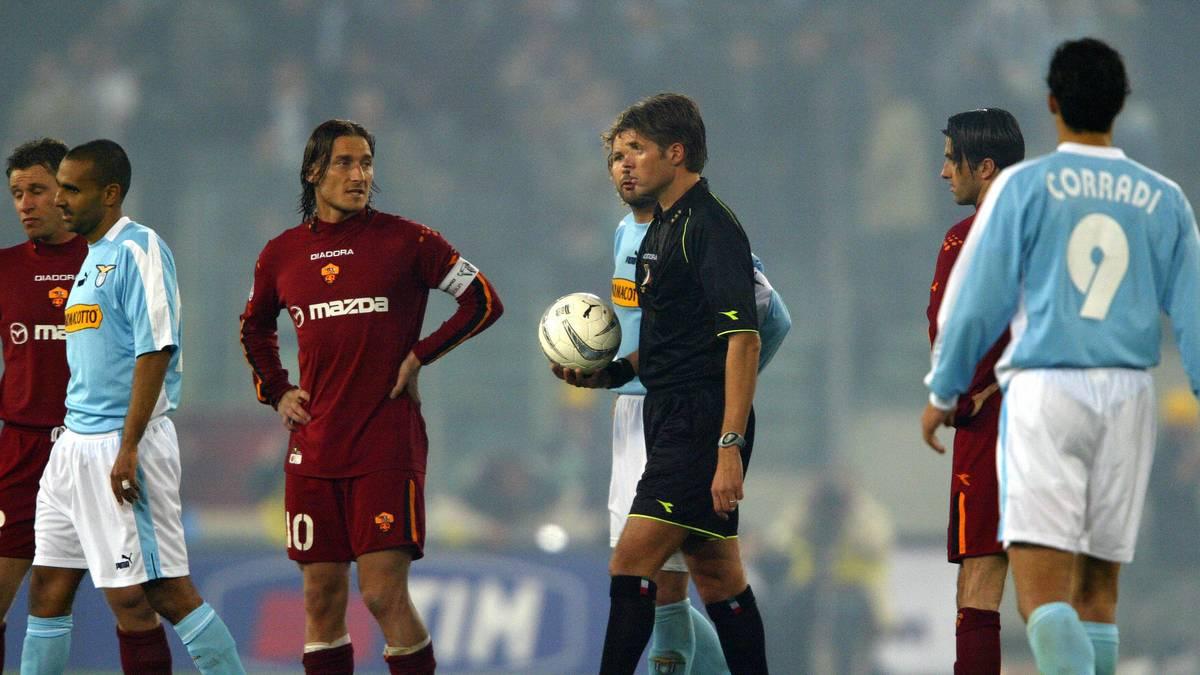 Auf Druck der Ultras beider Vereine wurde das Derby im Jahr 2004 vorzeitig abgebrochen