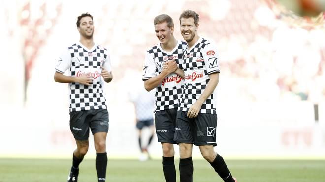 Race of Champions: Vettel und Schumacher bilden Team Deutschland, Mick Schumacher (mitte)  und Sebastian Vettel (rechts) starten beim Race of Champions