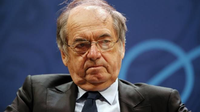Noel Le Graet sieht die UEFA am Ende