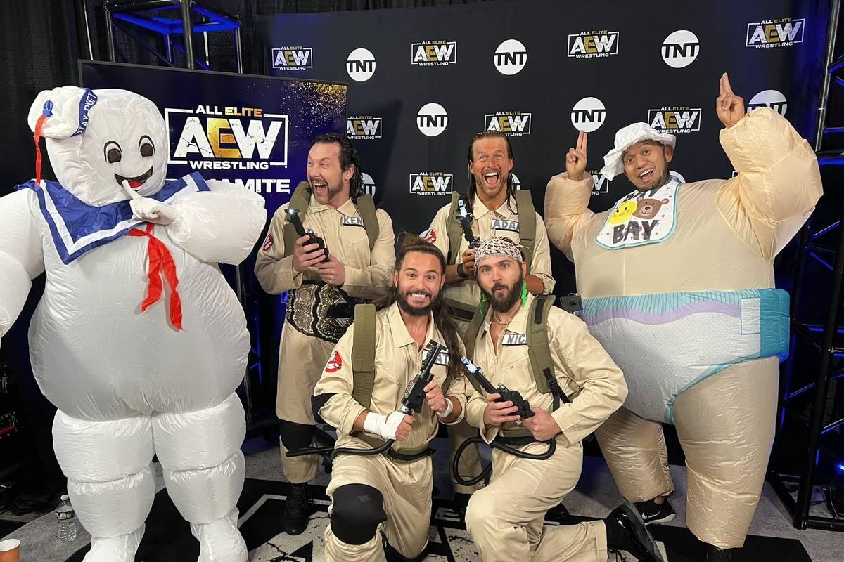 Auch beim WWE-Rivalen AEW Dynamite rückt Halloween ins Zentrum. Eine Ghostbusters-Hommage von Champion Kenny Omega nimmt eine für ihn unerwünschte Wendung.