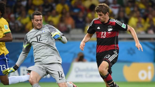 Julio Cesar stand beim 1:7 gegen Deutschland bei der Heim-WM im Tor Brasiliens und beendete danach seine Selecao-Karriere