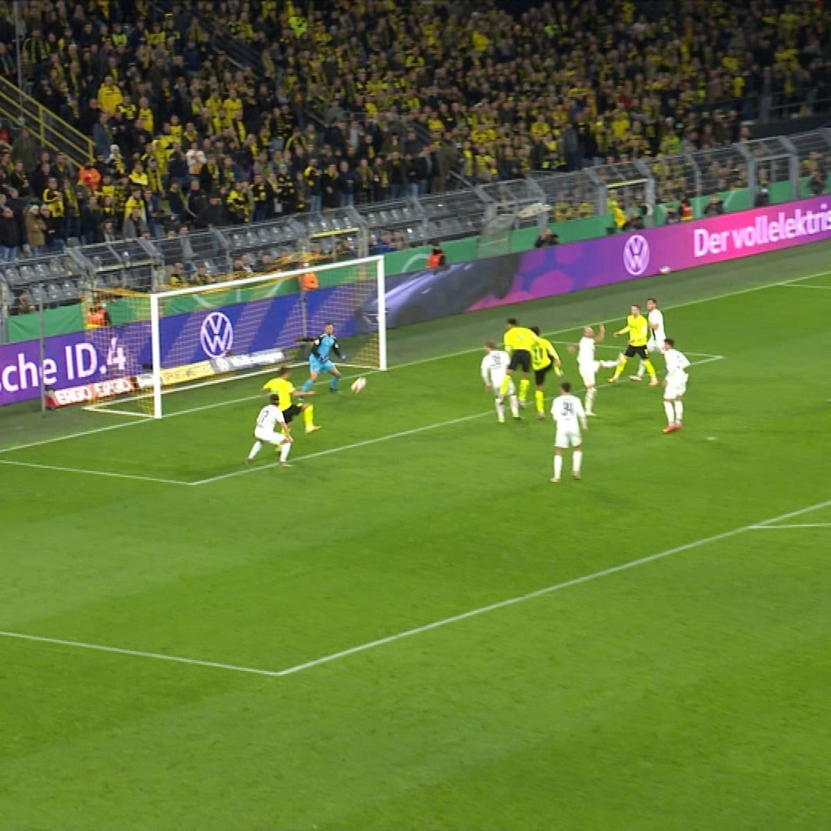 Doppelpack in zehn Minuten: Joker Hazard lässt BVB feiern