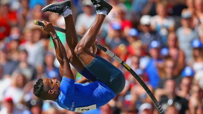 Raphael Holzdeppe wurde in Nürnberg mit übersprungenen 5,94 Metern Deutscher Meister