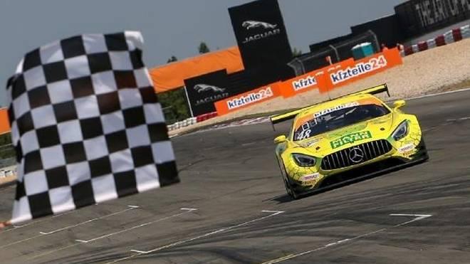 """Die """"Mamba"""" von HTP biss im Samstagsrennen am Nürburgring zu"""