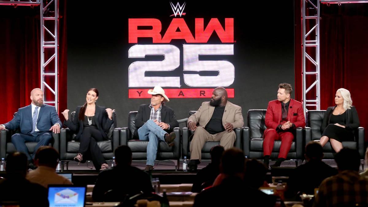 WWE Monday Night RAW 1993 - 2018: 100 Highlights in Bildern