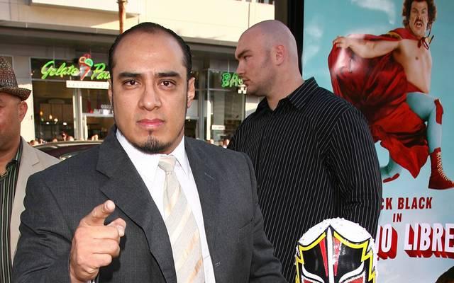 """Silver King (l., mit Mascarita Sagrada) bei der Premiere von """"Nacho Libre"""" 2006"""