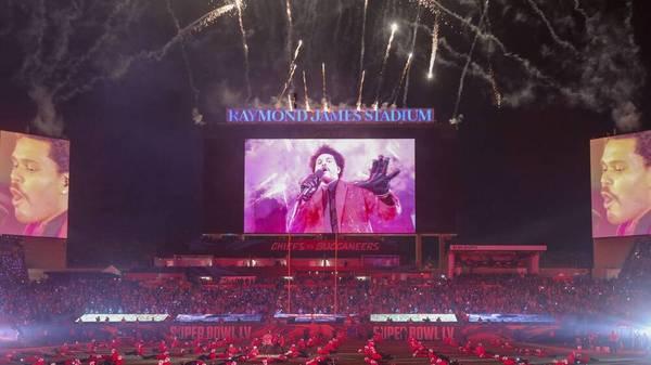 The Weeknd sorgte beim Super Bowl in der Halbzeit für Stimmung