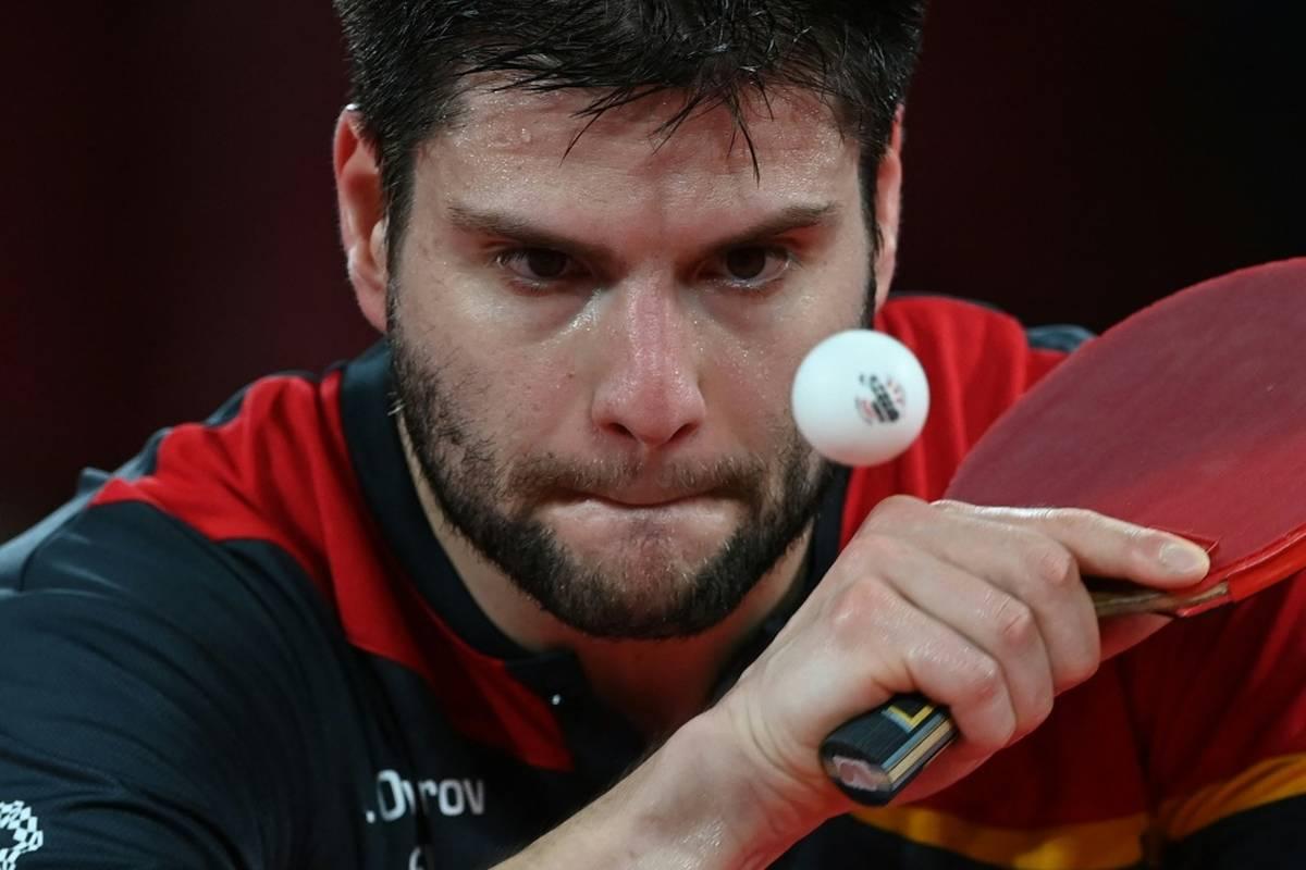 Dimitrij Ovtcharov setzt seine Rückkehr in den Turnieralltag nach Olympia in Tokio in den Sand. Der 33-Jährige verliert in seinem Auftaktmatch gegen einen Südkoreaner.