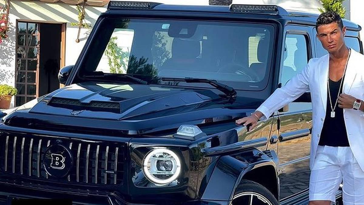 Superstar Cristiano Ronaldo protzt mit seiner neuen Luxus-Karre auf Instagram. Der Juve-Star hat seinen unzähligen Fuhrpark mit einem Auto für knappe 370.000 Euro erweitert.