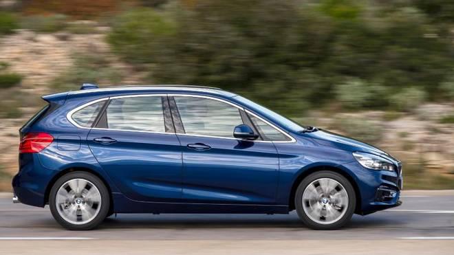 Der BMW versteht sich als sportlicher Van und wird je nach Modell bis zu 235 km/h schnell