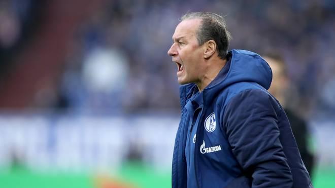 Huub Stevens ist mit dem FC Schalke 04 im Pokal an Werder Bremen gescheitert