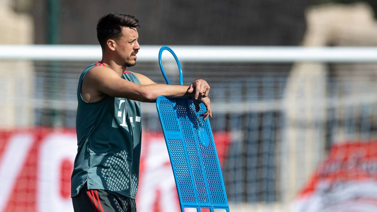 DOHA, QATAR - JANUARY 06: Sandro Wagner is seen during a training session at day three of the Bayern Muenchen training camp at Aspire Academy on January 05, 2019 in Doha, Qatar. (Photo by Lars Baron/Bongarts/Getty Images)