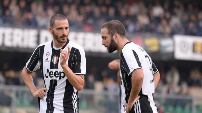 Leonardo Bonucci (l.) und Gonzalo Higuain waren bis vor kurzem noch Teamkollegen