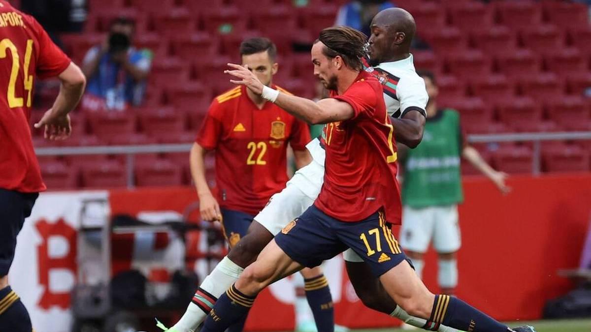 Neben Sergio Busquets wurde kein weiterer spanischer Spieler positiv auf Corona getestet