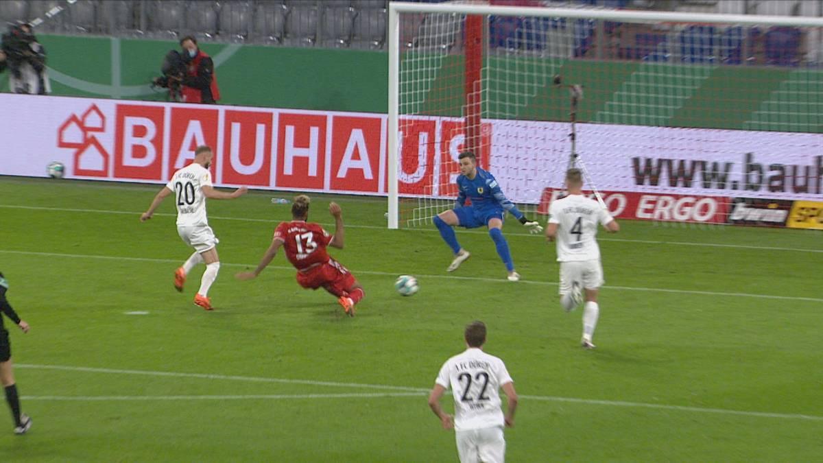 Gelungener Einstand: Eric Maxim Choupo-Moting trifft bei seinem Debüt für den FC Bayern im Pokalspiel gegen den 1. FC Düren zur Führung des Triple-Sieger.