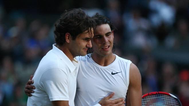 Roger Federer gratulierte Rafael Nadal nach dem Wimbledonfinale 2008 zum Sieg