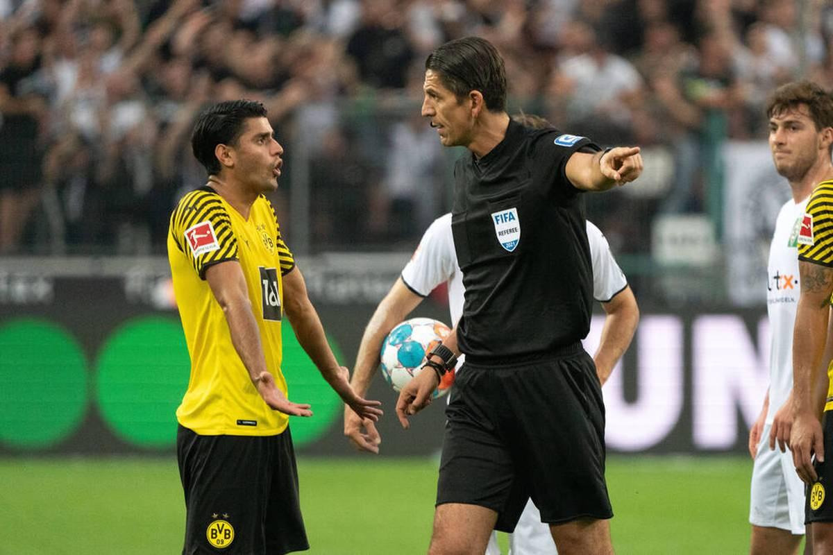 Im STAHLWERK Doppelpass auf SPORT1 stichelt BVB-Boss Watzke gegen Schiedsrichter Deniz Aytekin. Der wird anschließend nach seiner Reaktion befragt.
