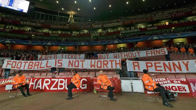 Protest der Bayern-Fans beim FC Arsenal