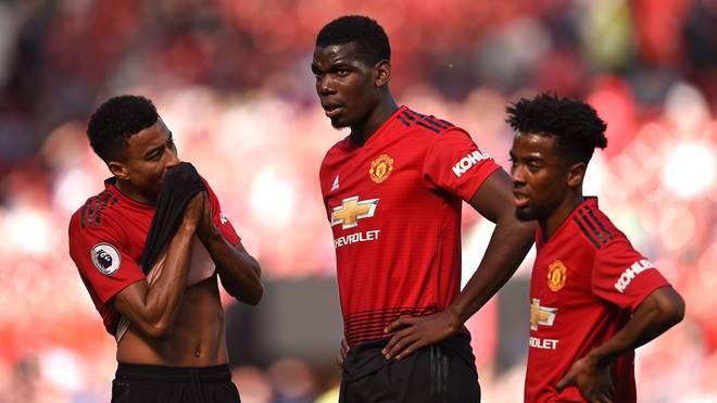 Paul Pogba (M.) will Manchester United laut Berater Mino Raiola verlassen